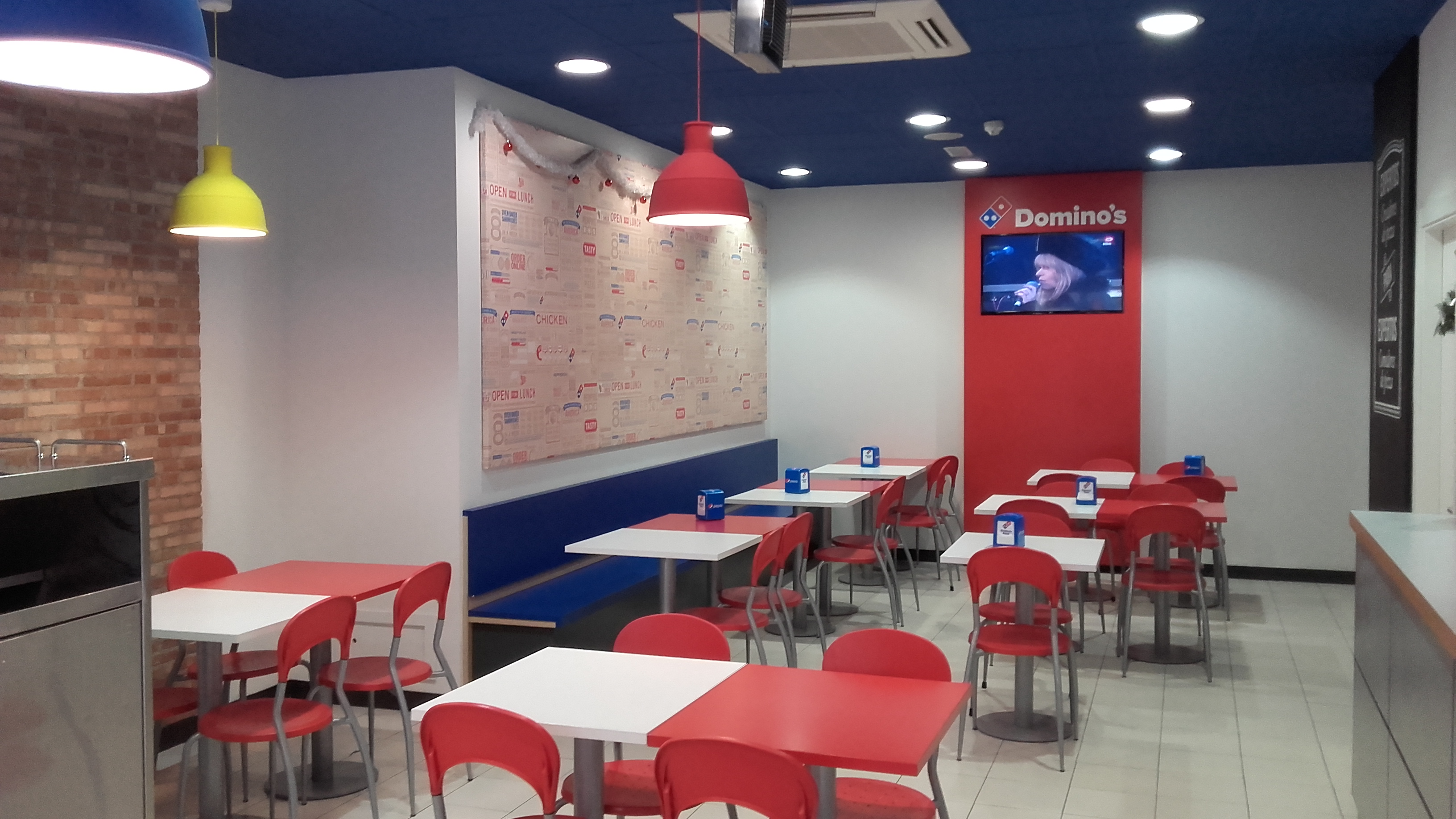 Cymes apertura y renovaci n de imagen domino s pizza for Local interior decorators