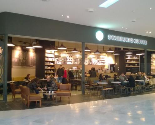 CYMES Construye Local Starbucks en Centro Comercial Francia