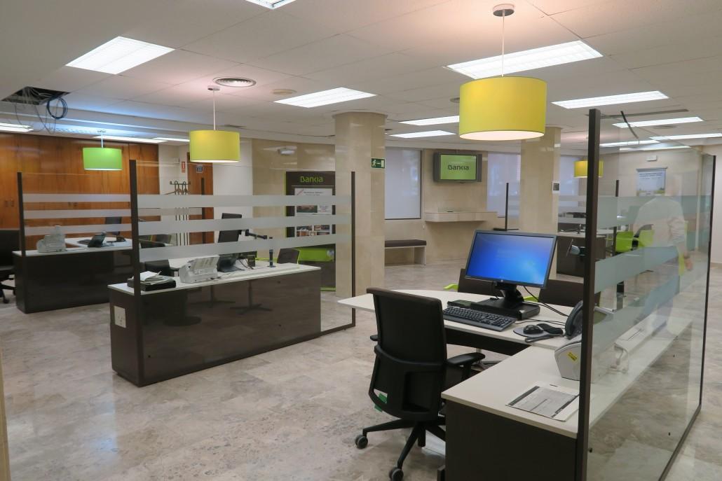 Cymes construcci n y acondicionamiento de oficinas bancarias for Pisos de bancos bankia