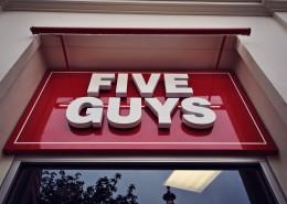 Construcción del primer restaurante Five Guys en España