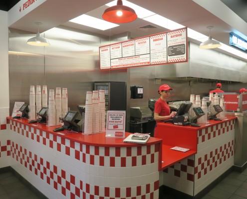 Instalación de menú, cajas y zona de pedidos